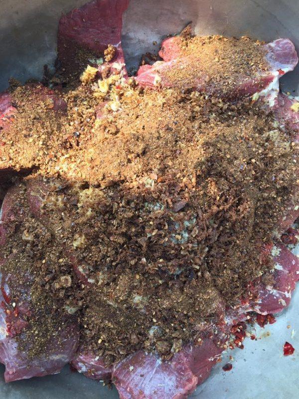 Nguyên liệu tẩm ướp thịt trâu gác bếp Tây Bắc