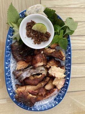 cách ăn cá gác bếp Tây Bắc